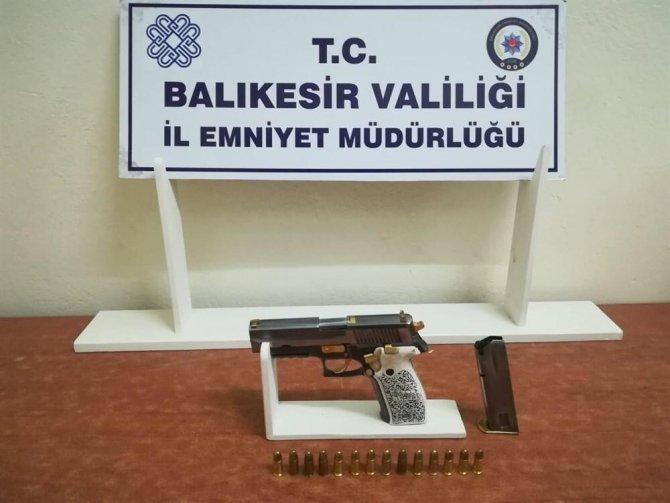 Balıkesir'de polisten huzur operasyonları