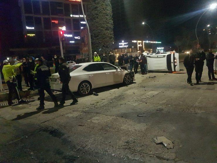 Elazığ'da kısıtlama saatinde zincirleme kaza: 5 yaralı