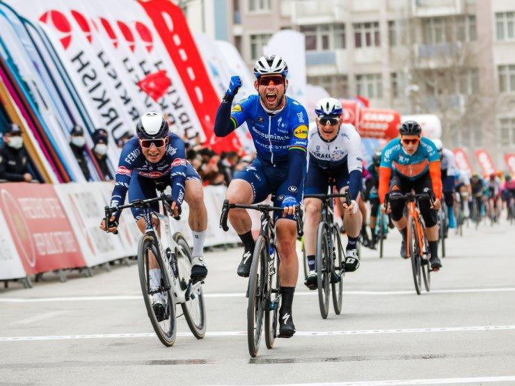 56'ncı Cumhurbaşkanlığı Türkiye Bisiklet Turu'nun ikinci ayağını Mark Cavendish kazandı