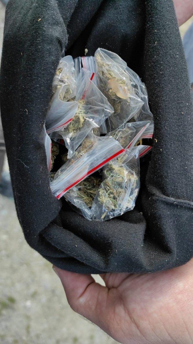 Yol kontrolünde uyuşturucu ele geçirildi