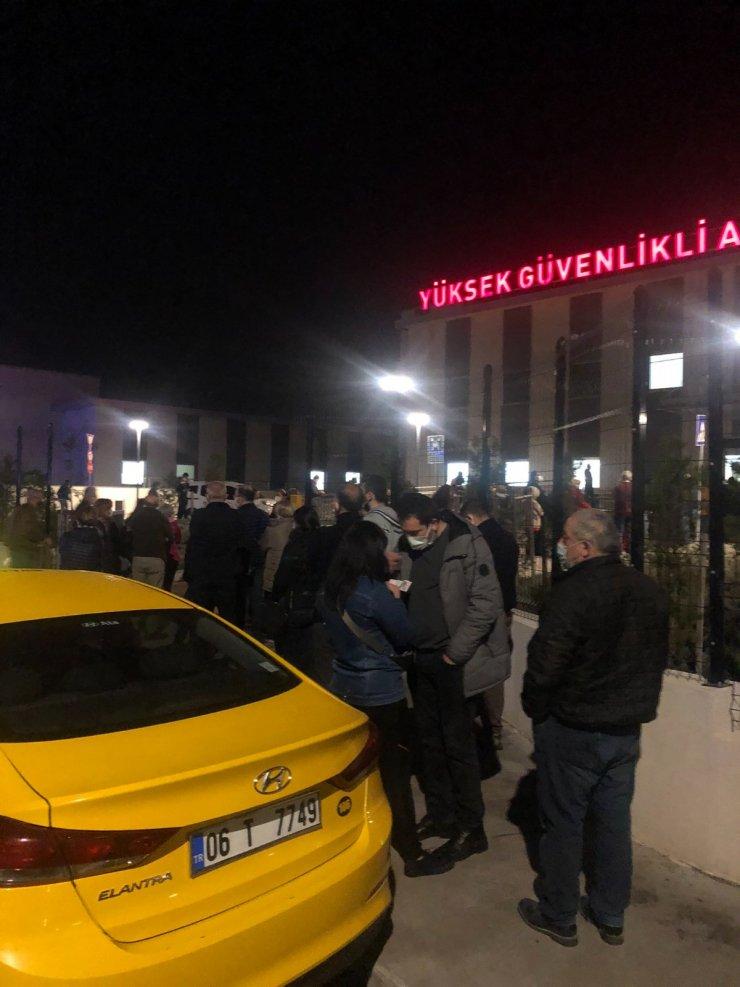 Bakan Koca duyurdu, 55 yaş üzerindeki Ankaralılar aşı sırasına girdi