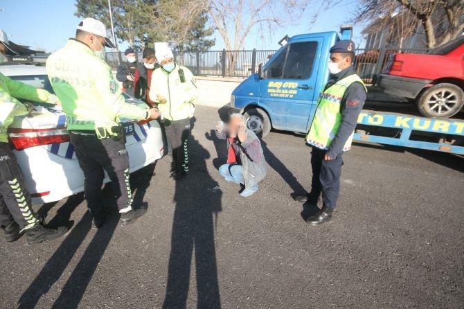 Konya'da 6. kez alkollü yakalanan sürücüden polise: Size yalvardığım kadar Allah'a yalvarsam günahlarımı affederdi!