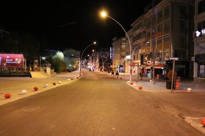 """Konya'da """"tam kapanma""""yla sokaklar boşaldı"""