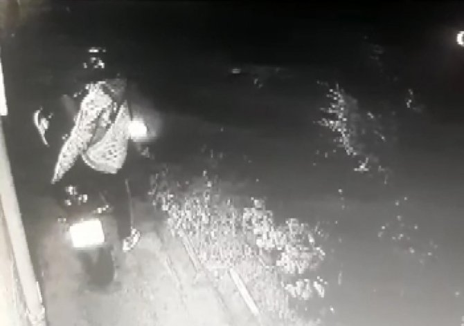 150 bin liralık motosiklet hırsızlığı kamerada
