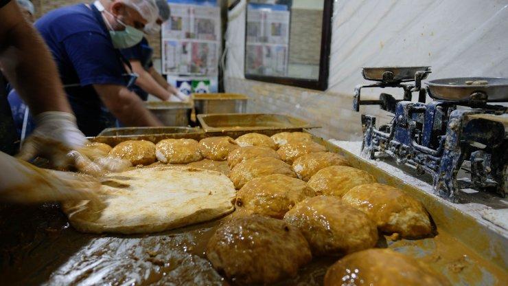 Konya'da ramazanın vazgeçilmez lezzeti, tahinli pide