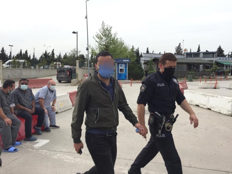 Tartıştığısite görevlisini bıçakladı