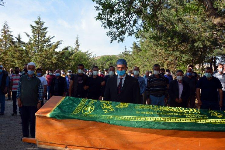 Kazada yanarak ölen kuzenler toprağa verildi