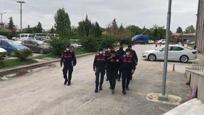 Konya'da demir hırsızları jandarmaya yakalandı