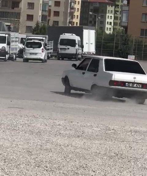 Konya'da kısıtlamayı ihlal eden kişi aracıyla drift yaptı