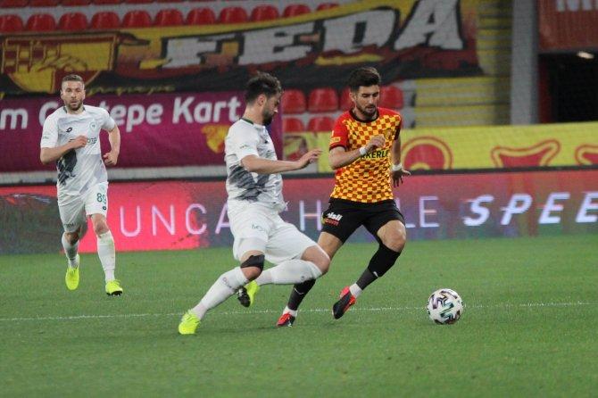 Göztepe: 0 -  Konyaspor: 0   İlk Yarı Sonucu