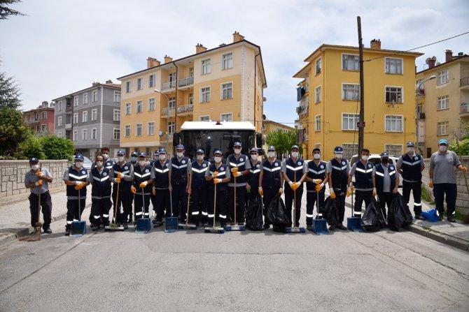 Selçuklu Belediyesi temizlik ekipleri 7/24 mesaide