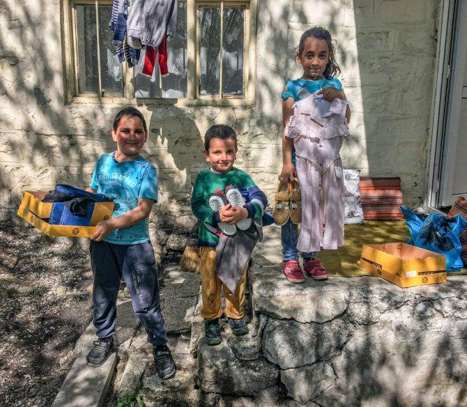 'Bayram Çocuklarla Güzel' projesi ile yüzlerce çocuğun yüzü güldü