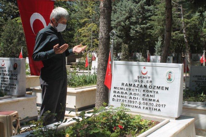 Konya'da şehit aileleri, şehitliği ziyaret etti