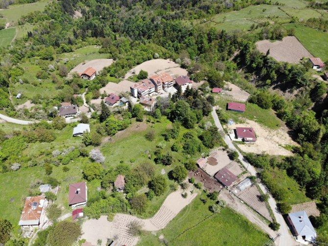 Köyde korona virüs kabusu! Virüs bulaşan 8 kişiden 6'sı hayatını kaybetti