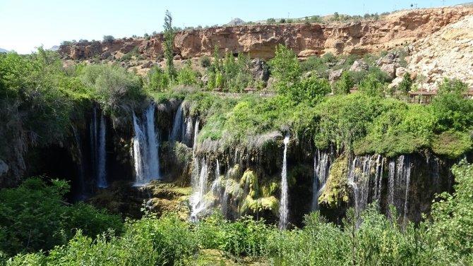 Doğa harikası Hadim Yerköprü Şelalesi tam kısıtlama sonrası ziyaretçileri bekliyor