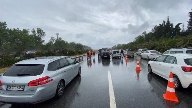 Sekiz farklı kazaya 25 araç karıştı, 8 kişi yaralandı