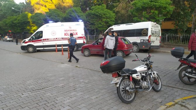 Kask motosiklet sürücüsünün hayatını kurtardı