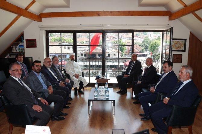 Diyanet İşleri Başkanı Erbaş, Kosova Türk Temsil Heyeti Başkanlığı'nı ziyaret etti