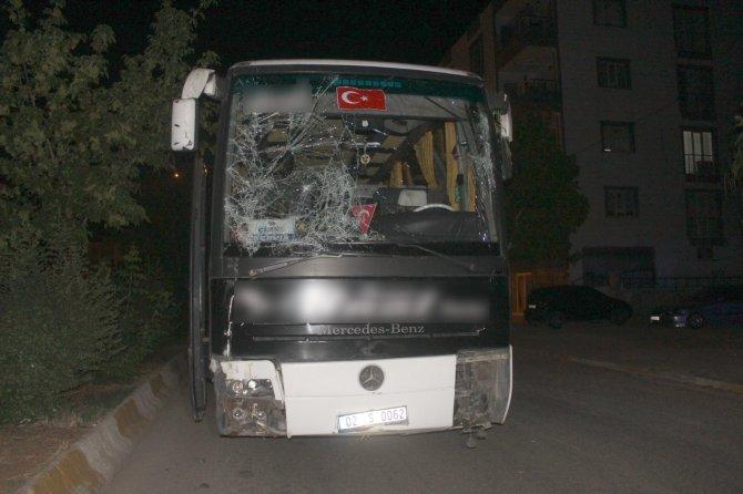 İşçileri taşıyan otobüs kontrolden çıktı