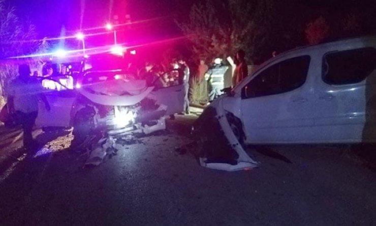Aydın'da iki otomobil çarpıştı; 1 çocuk öldü, 3'ü çocuk 7 kişi yaralandı