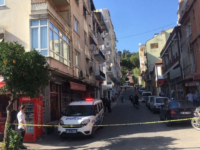 15 gündür haber alınamayan yaşlı kadın evinde ölü bulundu