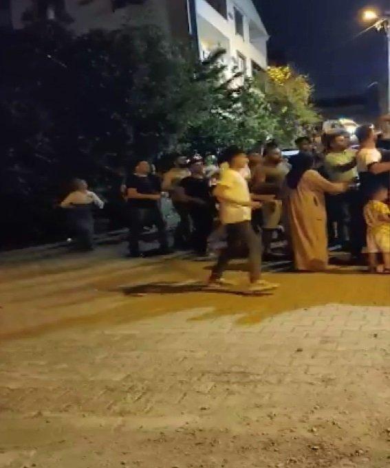 Çocukların kavgasına aileler de katıldı; mahalle savaş alanına döndü