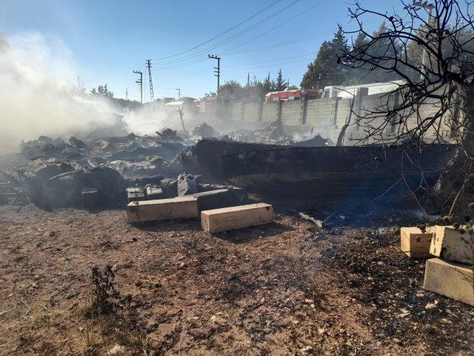 Depo yangını 6 saatte kontrol altına alındı