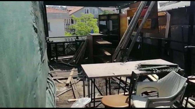 Kafe yandı