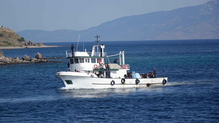 Ayvacık açıklarında teknede 231 kaçak göçmen yakalandı