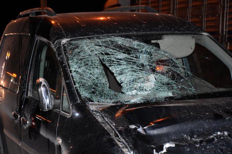 Hafif ticari aracın çarptığı 15 yaşındaki Azra Nur, ağır yaralandı