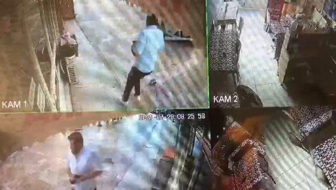 Kazada fırlayan beton bariyerden son anda kaçtı