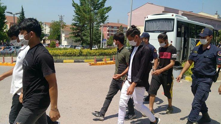 İnşaatlarda çalıştırılan21 Afgan kaçak yakalandı