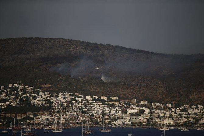 Bodrum'da makilik ve ormanlık alanda çıkan yangına müdahale ediliyor