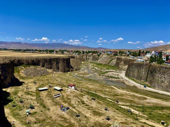 Dik yamaçlarıyla doğunun Ihlara Vadisi: Murat Kanyonu