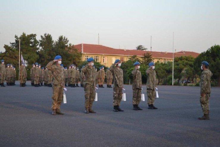 Kışlada yangın çıkaranları yakalayan askeri personel ödüllendirildi