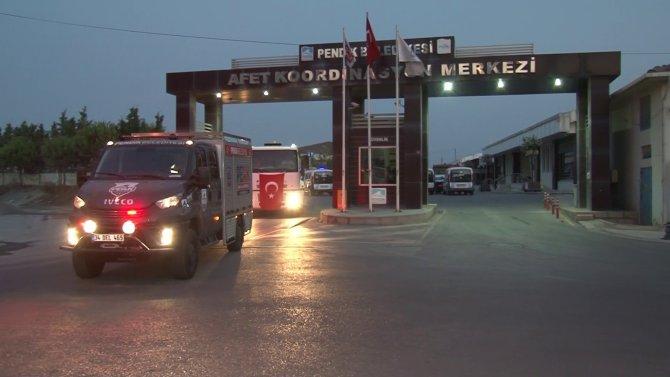 Antalya'daki yangını söndürme çalışmalarına destek için 3 arazöz ve uzman ekipler Pendik'ten yola çıktı