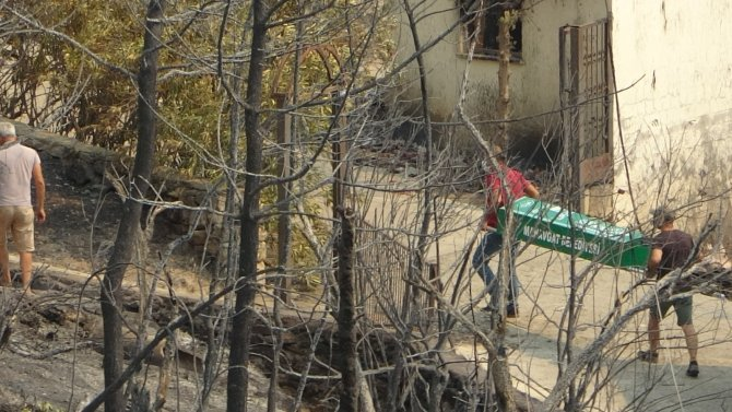 Küle dönen mahallede kayıp olarak aranan çiftin cesetlerine ulaşıldı