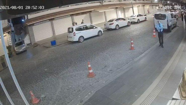 Caddeye patlayıcı atılması kamerada