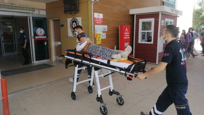 Kamyonetin çarptığı kadın yaralandı, o ânlar kamerada