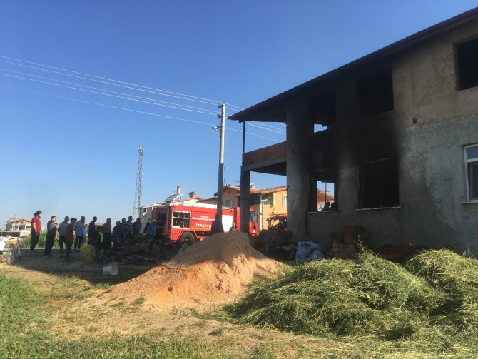 Konya'da evde çıkan yangın korkuttu
