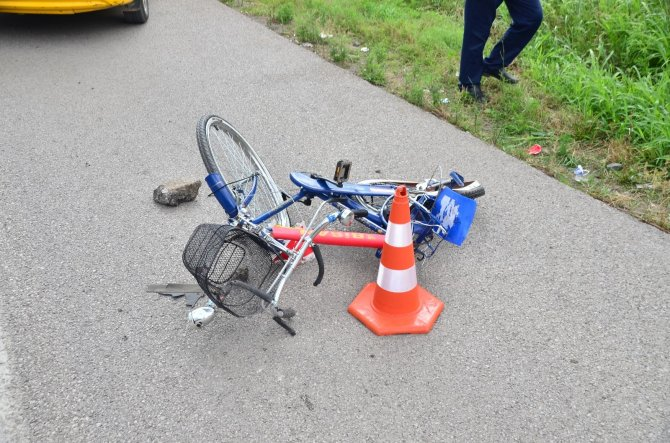 Otomobil bisiklete çarptı: 1 ölü