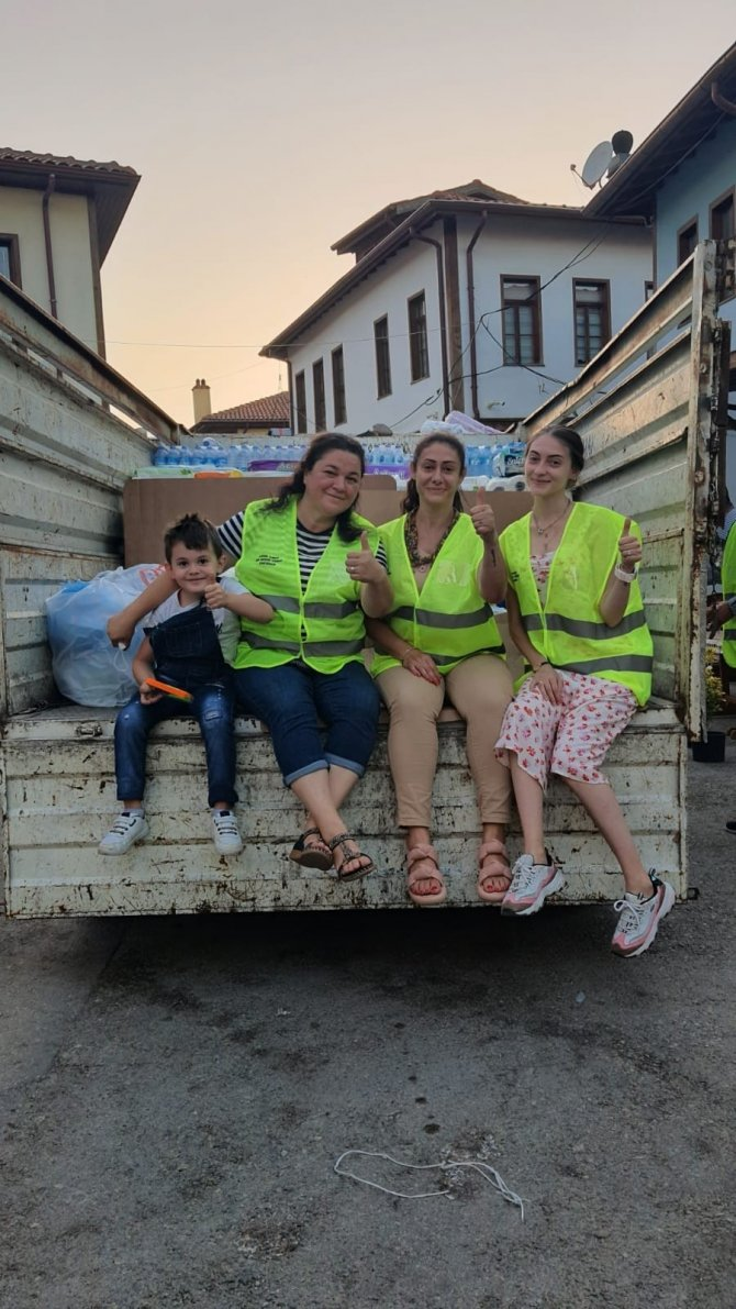 Yangın bölgesine gönüllülerden örnek kampanya