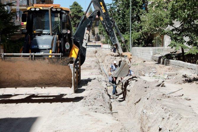 Yeni Mahallede içme suyu hattı yenileniyor