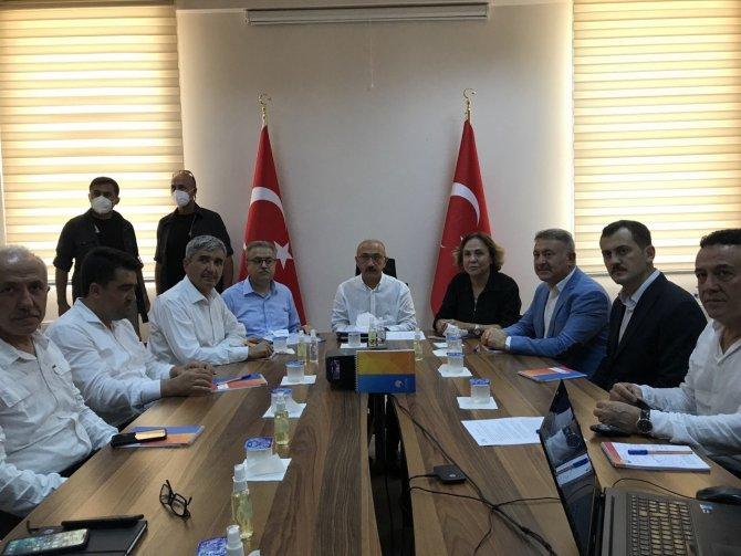 """Bakan Elvan: """"Devletimiz, hükümetimiz tüm imkanlarıyla milletimizin hizmetindedir"""""""