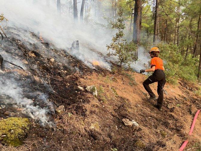 Bursa Yıldırım Belediyesi, Muğla'daki yangınlarda canla başla mücadele ediyor