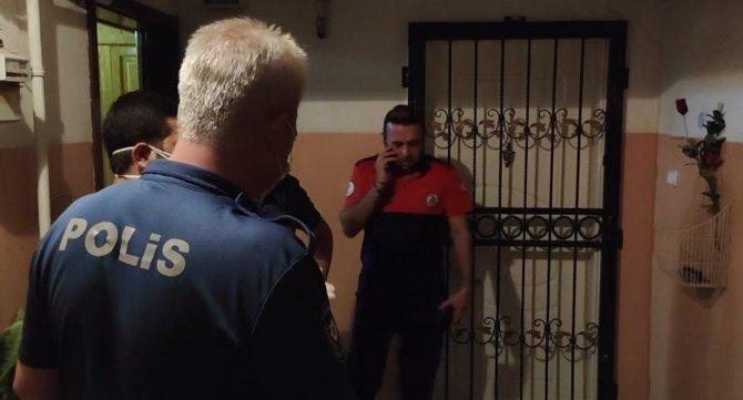 İtfaiyenin balkondan girip evde aradığı emekli öğretmen hastanede çıktı