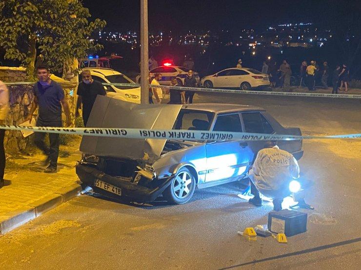 İki otomobilin çarpıştığı kaza sonrası aracı terk edip kaçtılar