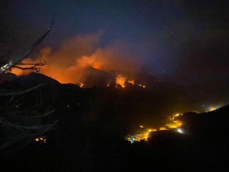 Sütçüler'deki orman yangını 3'üncü günde büyük ölçüde kontrol altında