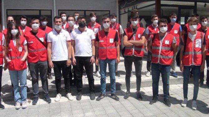 Yangın bölgesi için 41 gönüllü genç yardıma gitti