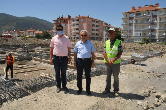 Akşehir Perşembe Pazarının üzeri kapatılıyor